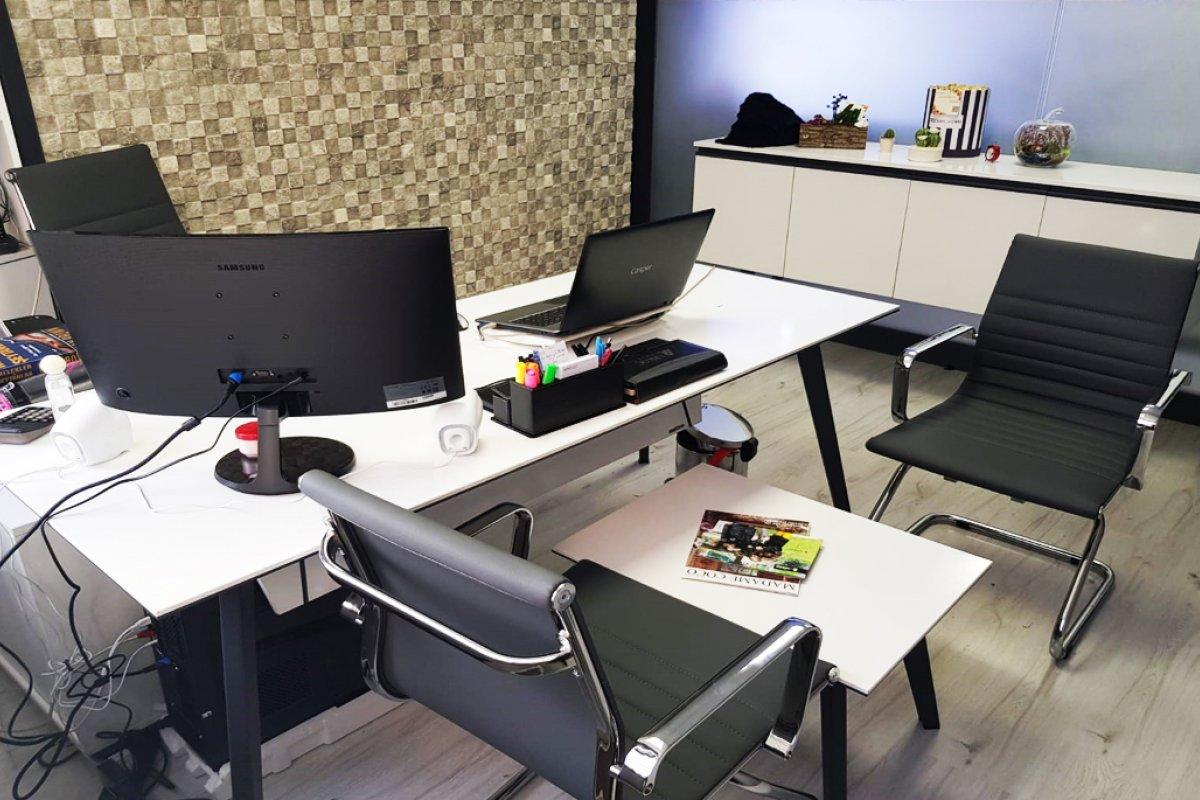 branta proje ofis bekleme alanı cam bölme açık ofis toplantı